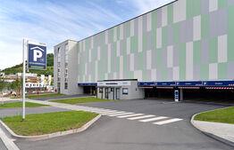 Rund um die Uhr geöffnet: Das neue Parkhaus für Patienten, Mitarbeiter und Besucher. (Foto: UKJ/Szabó)