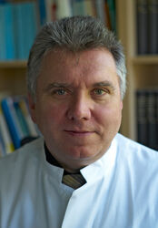 Prof. Dr. Ulrich Brandl, Direktor der Abteilung für Neuropädiatrie am Universitätsklinikum Jena. Foto: UKJ