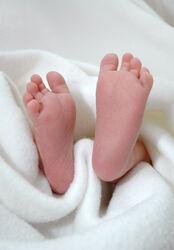Die Eltern- und Babysitterschule am UKJ informiert über Pflege und erste Hilfe bei Säuglingen.