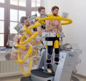 Muskelmessung im Ganzkörper-Kippgerät Foto: M.Szabo(UKJ)